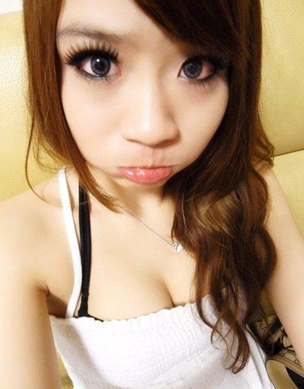 テレクラサイトで人気の巨乳熟女のアピール写メ (18)