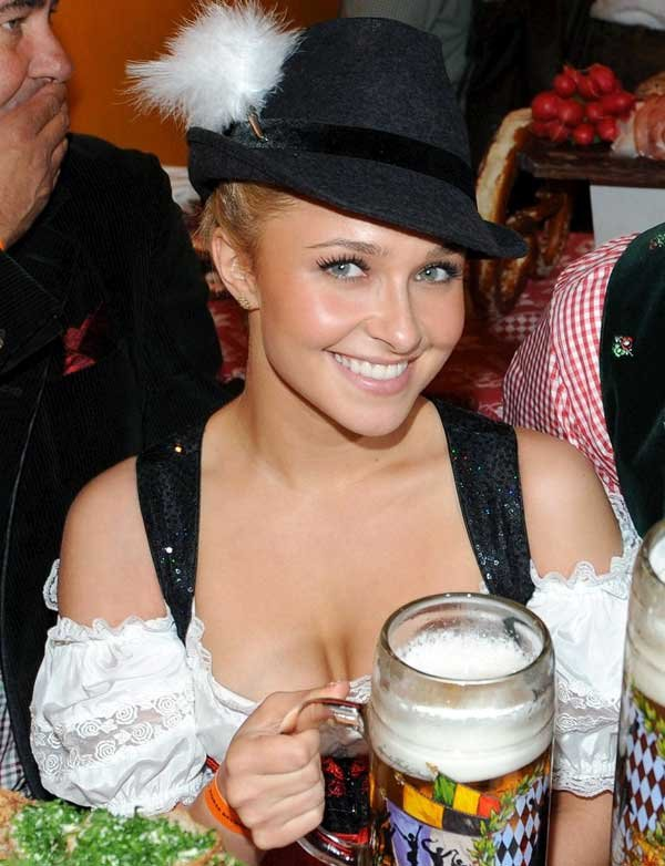 ドイツのビール祭りは巨乳ちゃんを盗撮し放題!! (11)