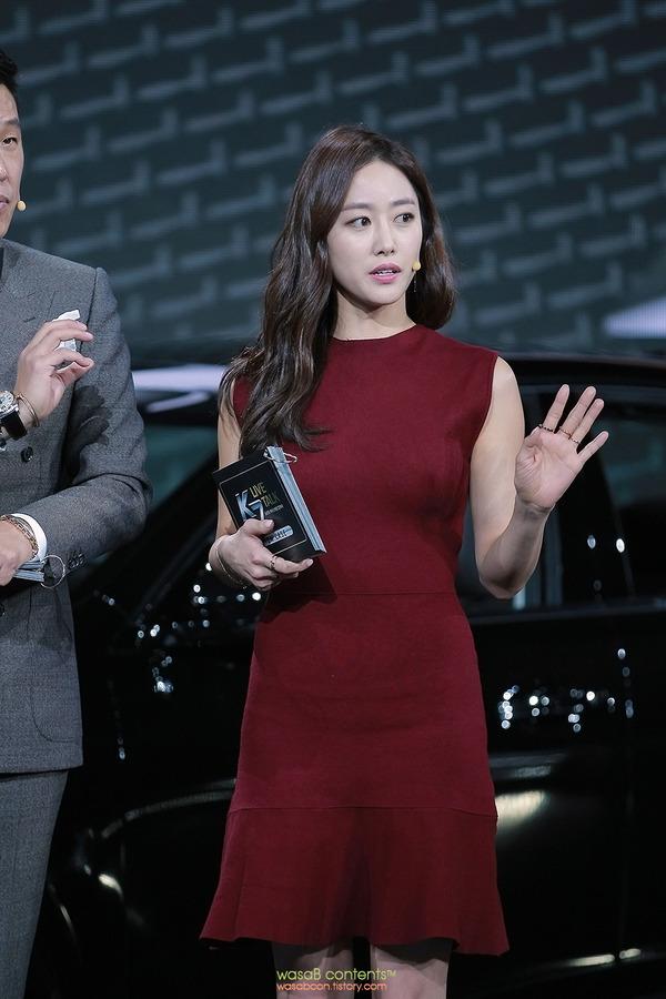 韓国の人気巨乳女子アナウンサー (4)