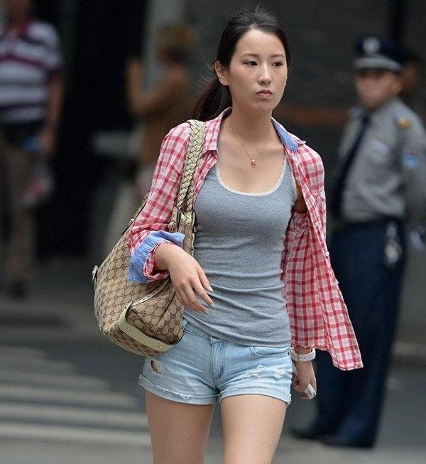 街撮り素人着衣顔出し ふっくら素人エロ画像