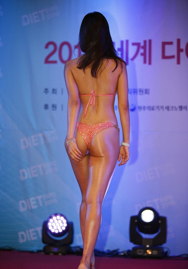 韓国の激エロ女性ボディビルダーたち (12)