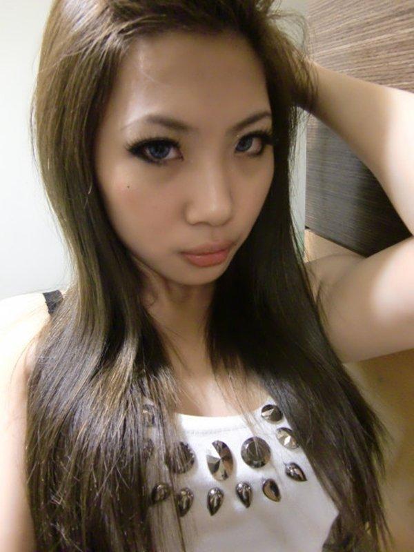 人気テレクラサイトで話題の女性の自画撮り写メをチェック (4)