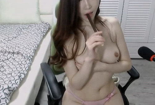 美乳スレンダー女性のオナニー自撮り (18)