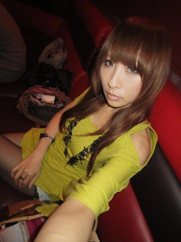 歌舞伎町で人気のキャバ嬢さんの私生活写メ2 (13)