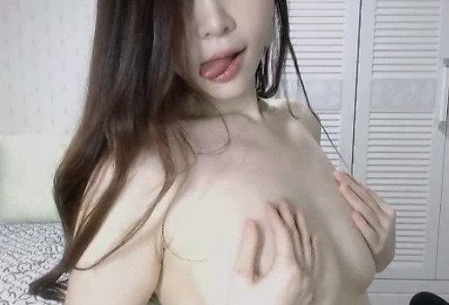 美乳スレンダー女性のオナニー自撮り (42)