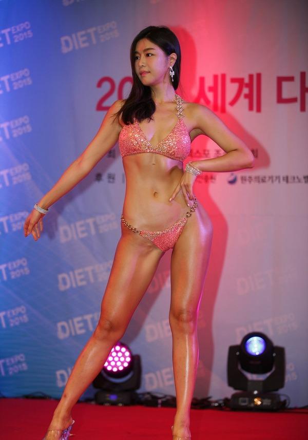 韓国の激エロ女性ボディビルダーたち (10)