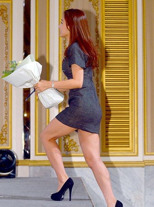 韓国のコン・ソヨンを含む女子アナ美脚パンチラ画像集 (45)