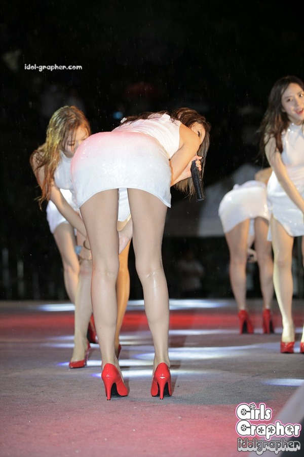AOAのエロ尻強調シーン (2)