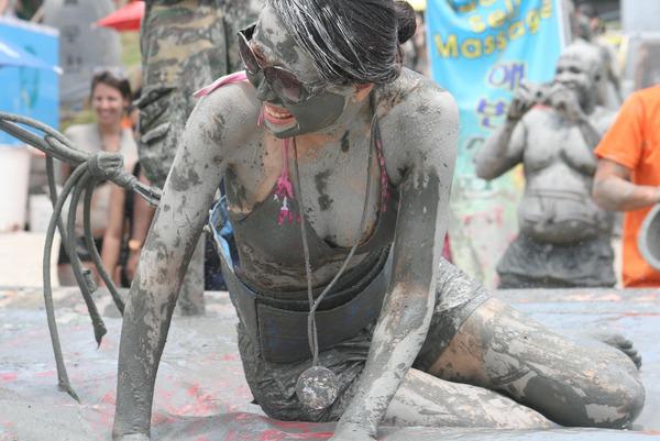 韓国のエロ過ぎる泥祭り (4)