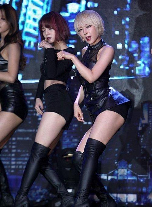 AOA チョアのセクシーダンス画像012