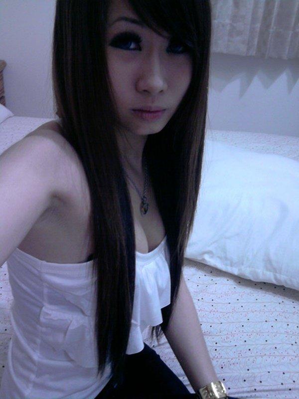 スレンダーな女性の着エロ写メは最高のエロさ (5)