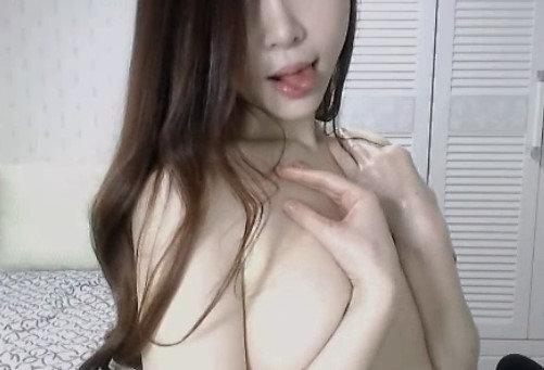 美乳スレンダー女性のオナニー自撮り (41)