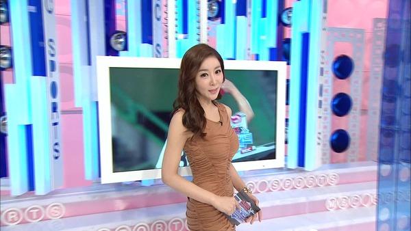 韓国のミニスカ女子アナウンサー (18)