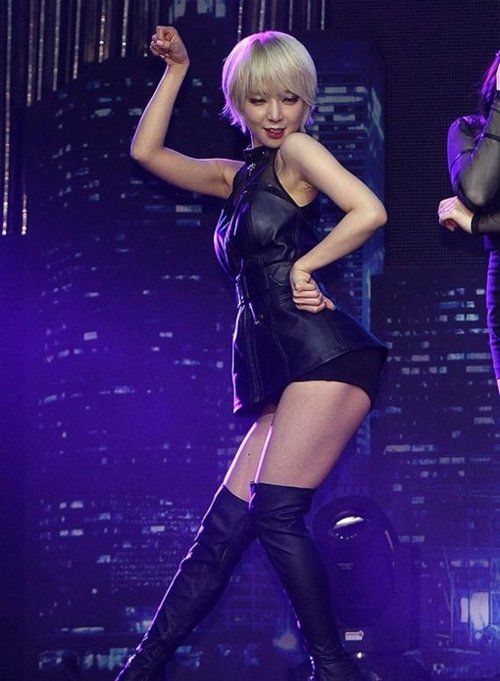 AOA チョアのセクシーダンス画像010