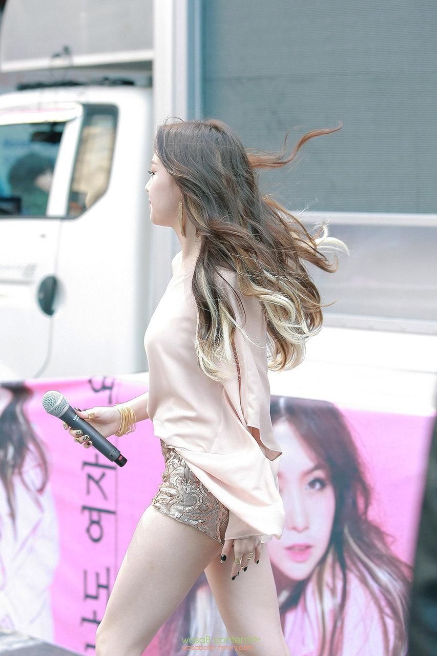 (K-POPえろ写真)ガールズデイ『ミナ』の路上ゲリラライブシーンが色気たっぷりで☆ミナのヌけるえろ写真集☆☆☆☆☆☆