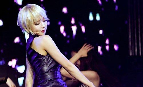 AOA チョアのセクシーダンス画像016