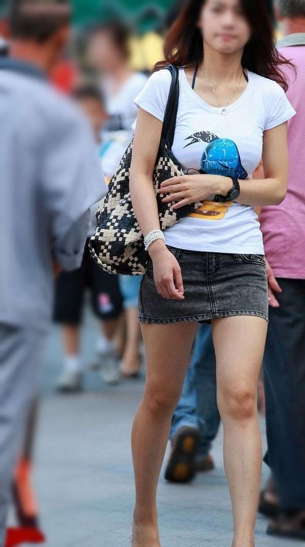 街撮りミニスカ&ショートパンツエロ画像 (12)