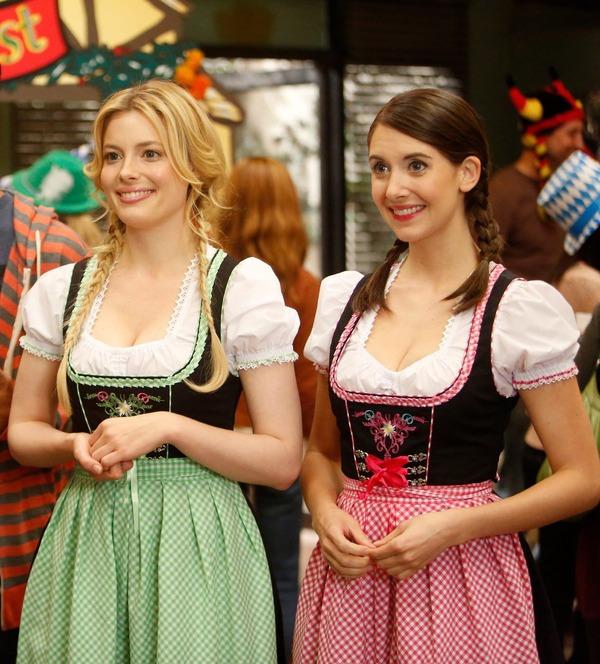ドイツのビール祭りは巨乳ちゃんを盗撮し放題!! (17)