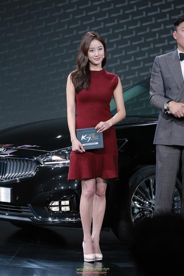 韓国の人気巨乳女子アナウンサー