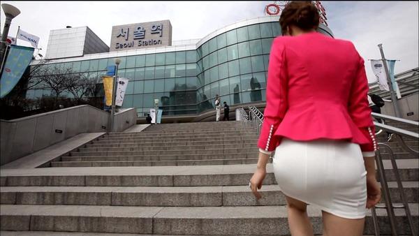 韓国のミニスカ女子アナウンサー