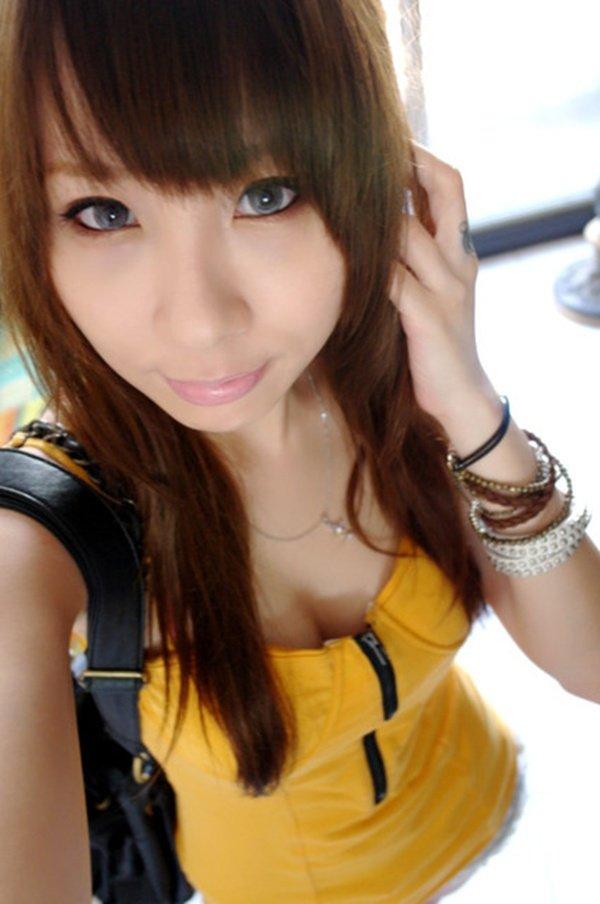 歌舞伎町で人気のキャバ嬢さんの私生活写メ2 (3)