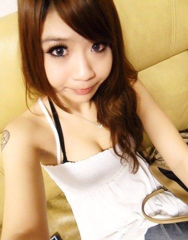 テレクラサイトで人気の巨乳熟女のアピール写メ (19)