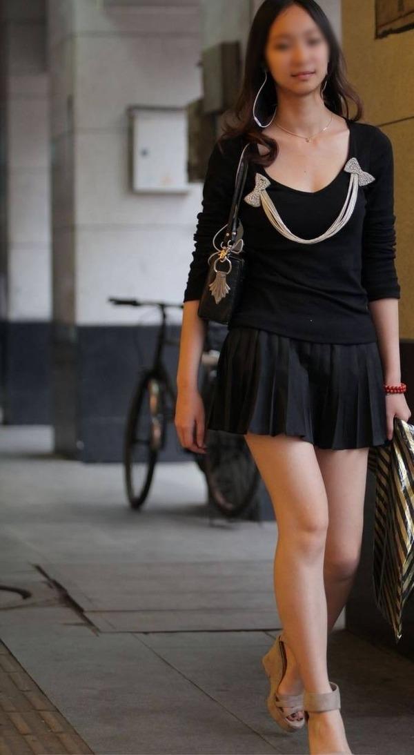 街撮りミニスカ&ショートパンツエロ画像 (45)