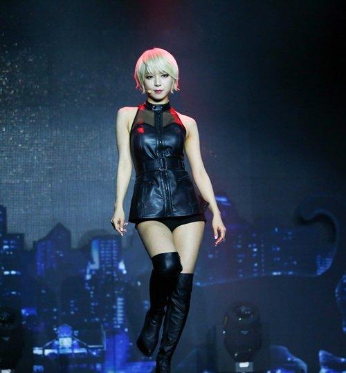 AOA チョアのセクシーダンス画像011