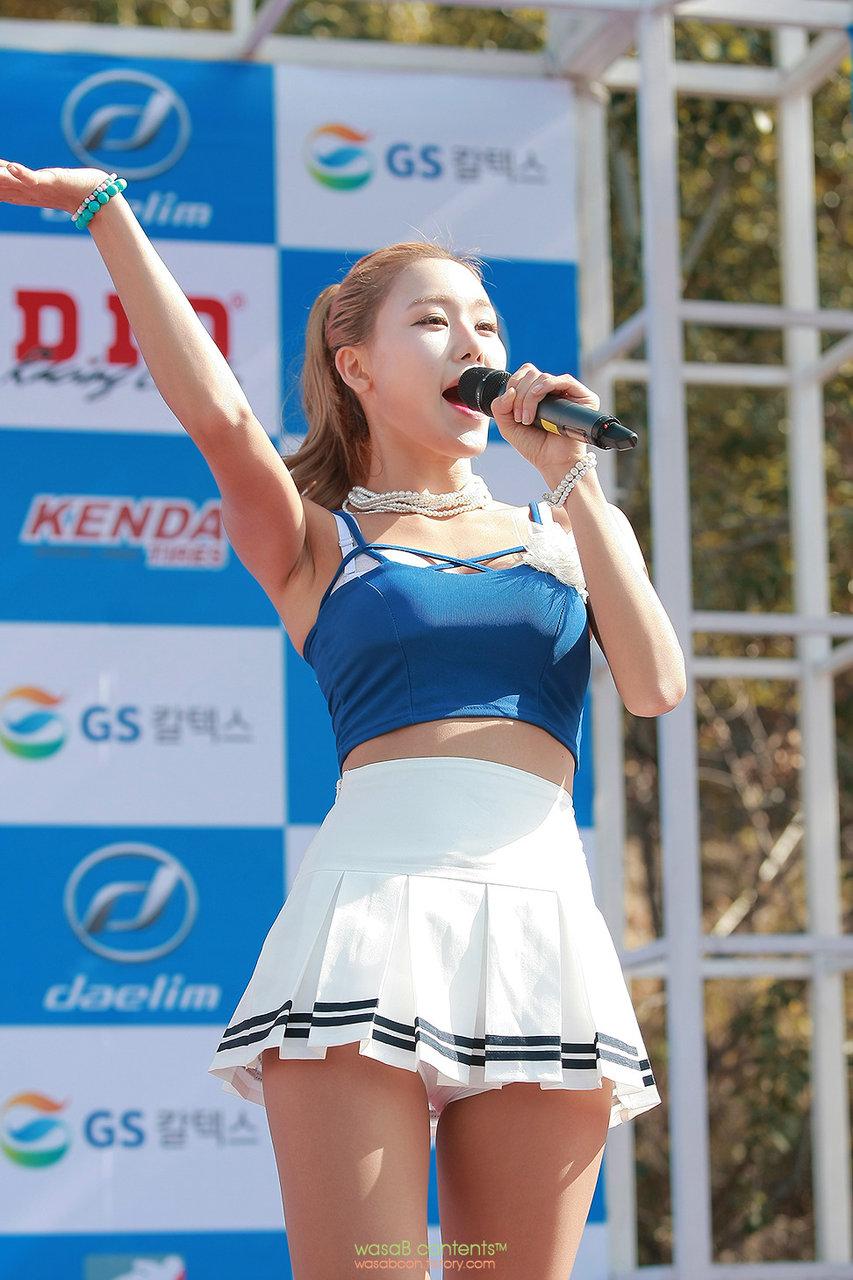 (K-POP色っぽいユニット)えろ神レベルのSIDAのパンツ丸見え胸チラ全開のどえろなライブがマジでヌける☆☆☆☆☆