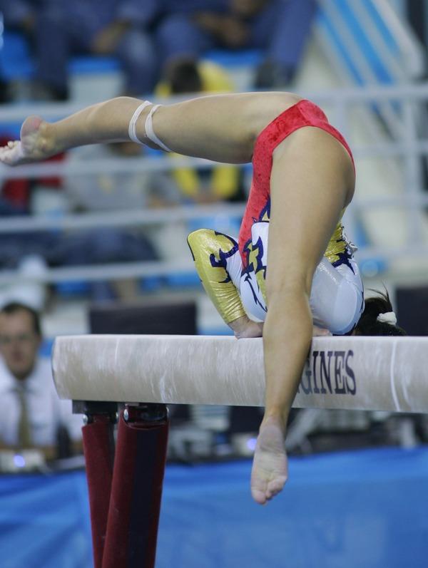 女子体操選手の食い込みエロ画像 (21)