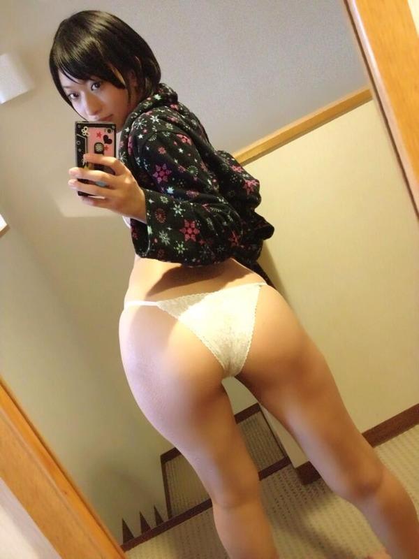 倉持由香のエロ尻自撮り写メ (23)