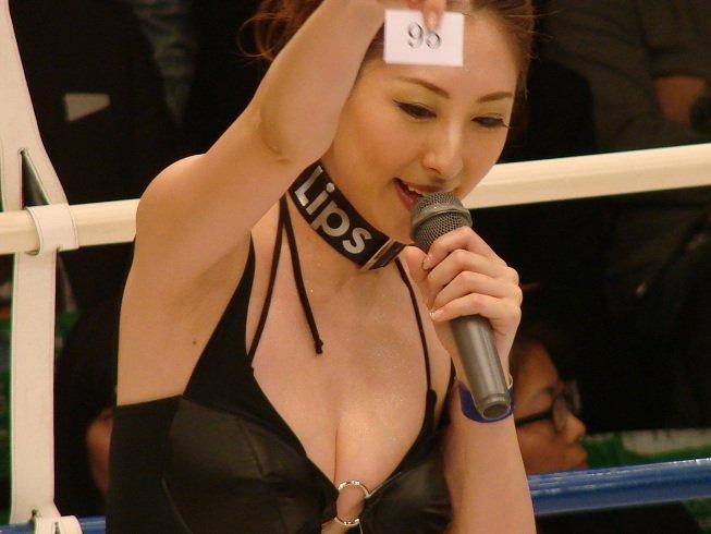 (激えろコンパニオン写真)JAPANのラウンドガールが一気にえろえろ路線に?えろ過ぎる美巨乳ラウンドガール写真集☆☆☆☆☆