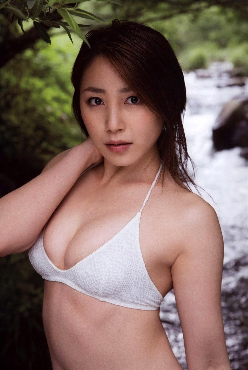 ハロプロエッグの吉川友の美巨乳なお乳の発育状態が凄過ぎる☆☆☆