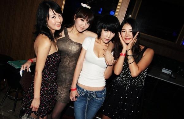 韓国のクラブはエロエロ解放区 (3)