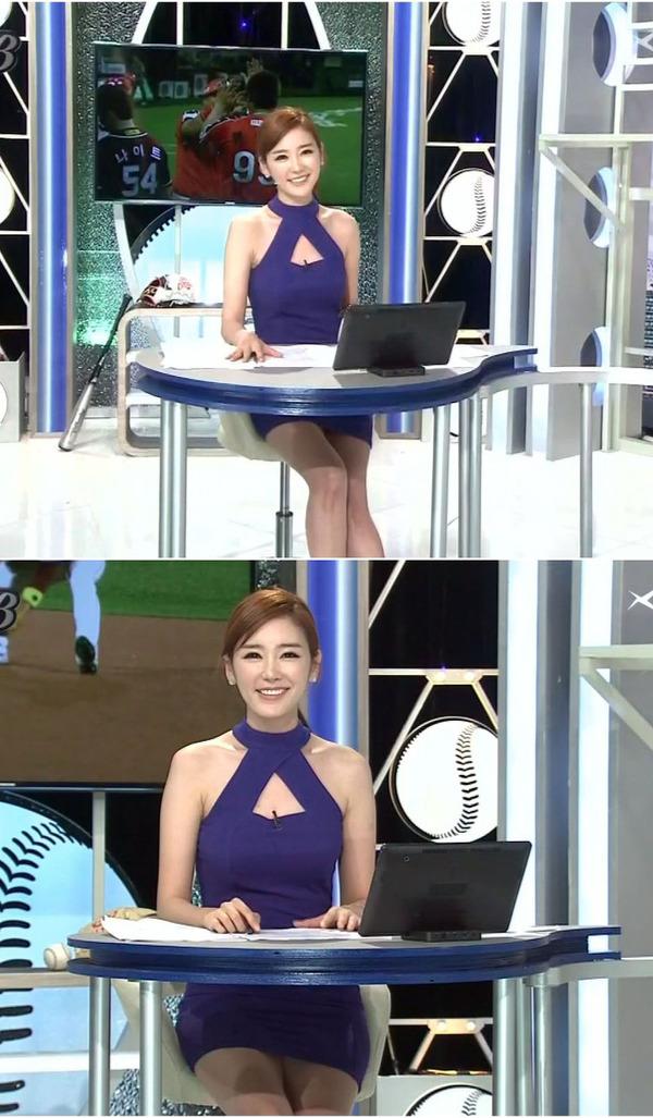 韓国のエロい美人女子アナのミニスカパンチラ (4)
