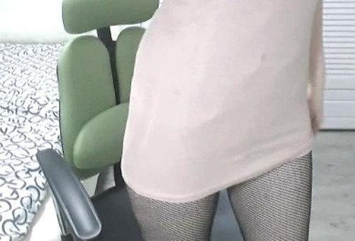 美乳スレンダー女性のオナニー自撮り (2)