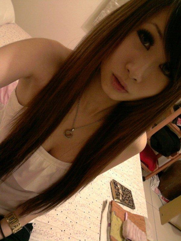 スレンダーな女性の着エロ写メは最高のエロさ (9)