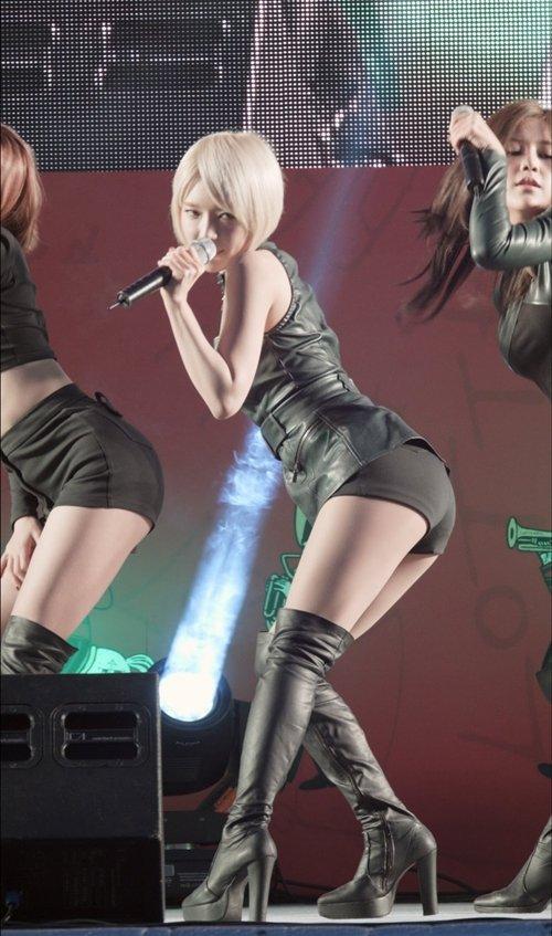 AOA チョアのセクシーダンス画像006
