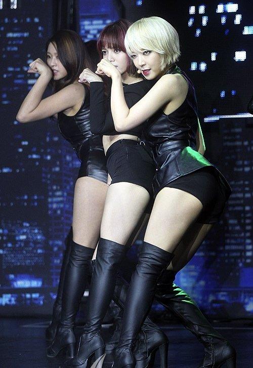 AOA チョアのセクシーダンス画像022