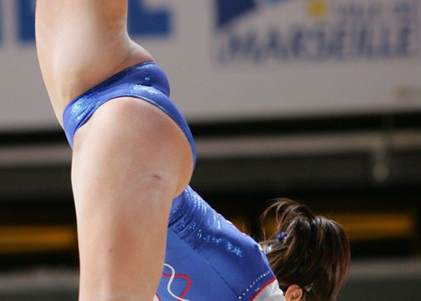 女子体操&新体操のモリマンな股間 (4)