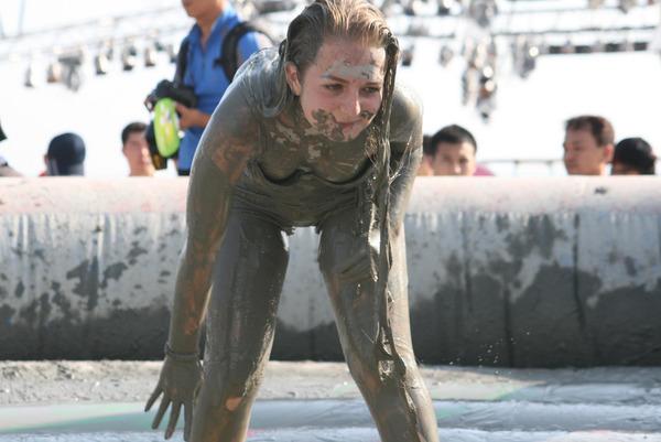 韓国のエロ過ぎる泥祭り (2)