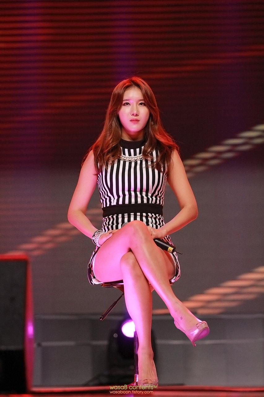(KPOPヌける色っぽいユニット)Lushの艶めかしいぽちゃな太腿がたまんないライブ写真☆☆☆☆☆