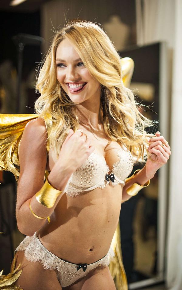 2015年最もセクシーなセレブ女性キャンディス・スワンポール (20)