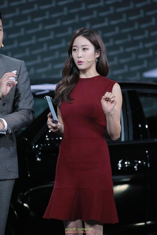 韓国の人気巨乳女子アナウンサー (5)