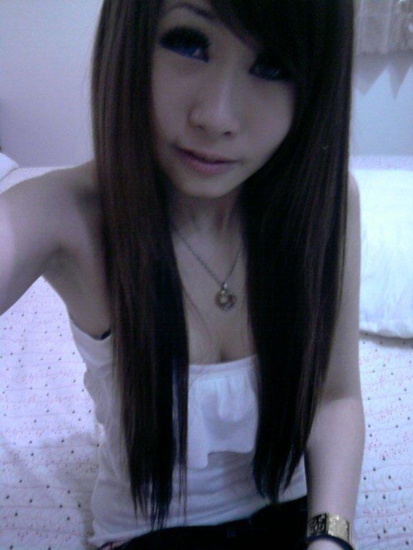 スレンダーな女性の着エロ写メは最高のエロさ (3)
