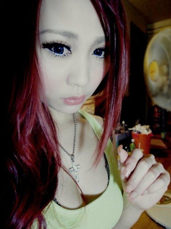 毎晩オナニー相手を探してる巨乳美魔女の公開写メ (15)