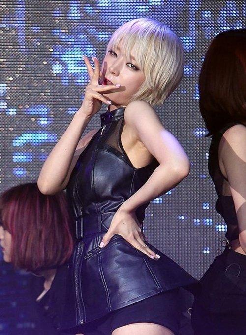 AOA チョアのセクシーダンス画像014