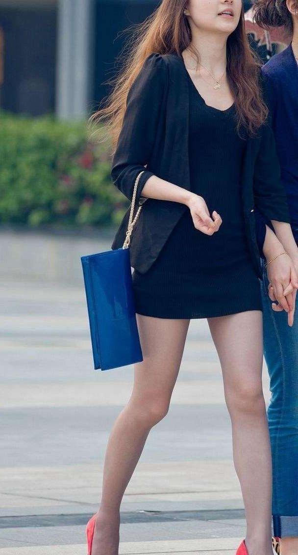 (ヌける街撮り写真)ニット系のタイトスカートと生足がボッキ不可避レベルのえろさ☆☆☆☆☆