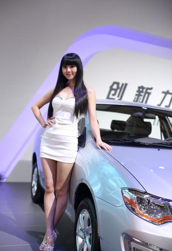 上海モーターショーの巨乳美脚コンパニオン (29)