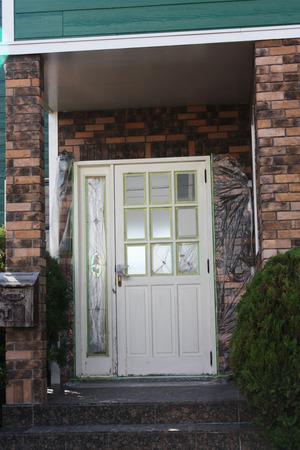 玄関ドア−